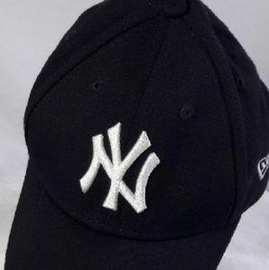 New Era Accessories - New Era child youth NY Yankees baseball cap black 7388318bbcf
